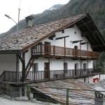 Casa costruita dal capomastro Vacher di Fontainemore, Pilaz, 2009 - Claudine Remacle