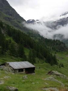 Casa con cucina in pietra e camera in legno all'alpeggio di La Ley, Bionaz, 2000 m d'altitudine, XVI sec. - Photo Claudine Remacle