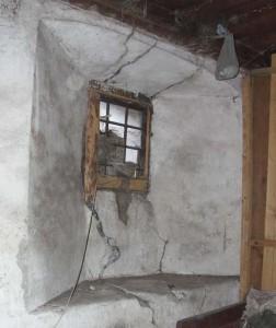 Muraillies avec rusque à l'intérieur - Lignod, Ayas - Photo Claudine Remacle